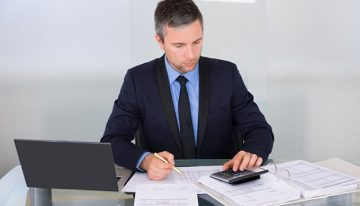 Which are the requirements of hiring a professional bookkeeper for your business?